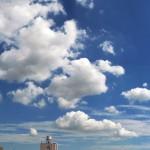 涼しげな雲