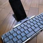 iPhone 4に接続!ANYCOM Stowaway Universal Bluetooth Keyboard
